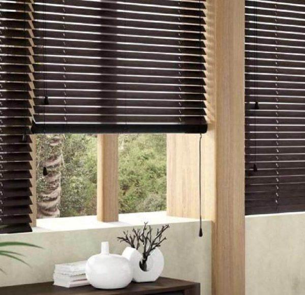 Window-blinds-installation-302620083